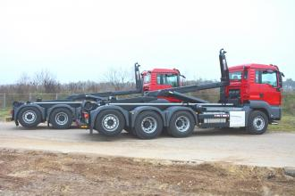Dubbele haaklevering op MAN chassis